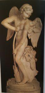 Эдм Бушардон (1698-1762), француз. Амур, делающий себе лук из палицы Геркулеса. Мрамор. Лувр