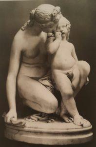 Джеймс Прадье (1790-1852), швейцарец. Венера и Амур. Мрамор. 1836. Эрмитаж
