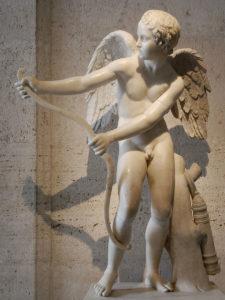 Эрот, натягивающий лук. Римская копия с работы Лисиппа