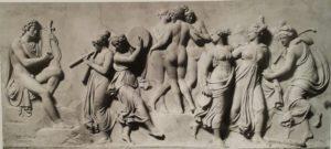 орвальдсен. Танец Муз на горе Геликон. 1804-1816. В центре три Грации