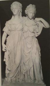 Фото. И.Г.Шадов. Принцессы. 1797 Гипс