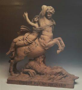 Фото. Жозеф Шинар. Несс, похищающий Деяниру. Терракота. Примерно 1839