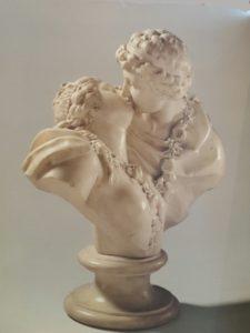 Фото. Гудон. Подаренный поцелуй. Мрамор. 1778