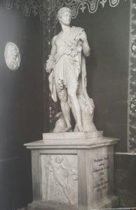 Торвальдсен-монумент Потоцкому