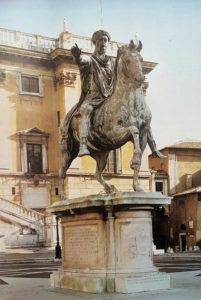Фото. Конная статуя Марка Аврелия