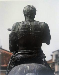 Фото4. Донателло. Памятник Гаттамелате. Фрагмент