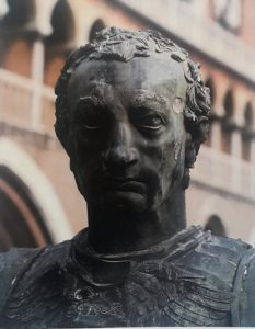 Фото5. Донателло. Памятник Гаттамелате. Фрагмент