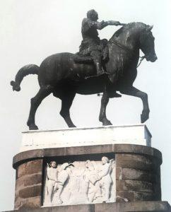 Фото2. Донателло. Памятник Гаттамелате.
