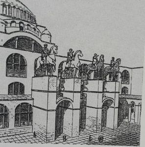 Фото. Конные памятники над главным входом в храм Святой Софии в Константинополе. Реконструкция