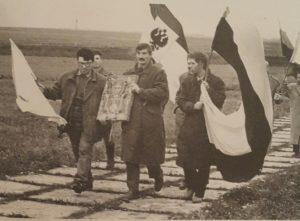 Фото. Клыков (в центре) на Куликовом поле