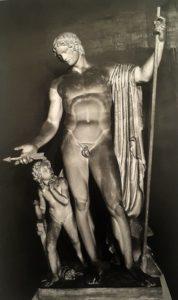 Фиг.1 Марс, предлагающий стрелу Купидону. Модель из гипса. 1810. Копенгаген. Музей Торвальдсена
