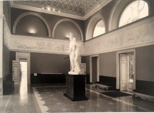 Общий вид залы с фризом Торвальдсена «Триумф Александра Македонского в Вавилоне». Вилла Карлотта