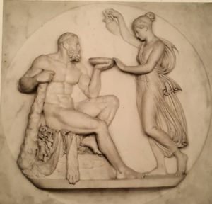 Торвальдсен. Геркулес получает от Гебы напиток бессмертия. По модели 1809. Милан. Пинакотека Амброзиана