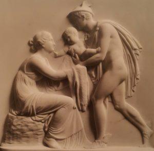 Торвальдсен. Меркурий (Гермес) вручает Вакха сестре его матери Ино. 1809. Копенгаген. Музей Торвальдсена