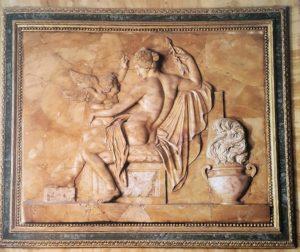 В.Пачетти. Венера. Зал «Венеры» № 18 галереи Боргезе. 1783-1784. Желтый сиенский мрамор