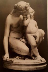 Фиг. 17. Джеймс Прадье (годы жизни 1790-1952). Венера, утешающая Амура. 1836