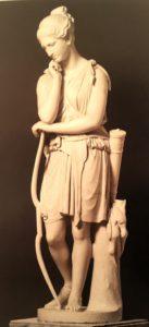 Фиг. 8. Эмиль Вольф (годы жизни 1802-1879, умер в Риме). Отдыхающая Диана. Мраморный вариант сделан в 1846-1847 по модели 1835-1836