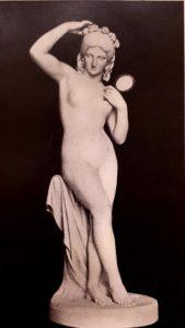 К.М.Климченко. Девушка с зеркалом. 1850 (переведена в мрамор после смерти скульптора). Русский музей