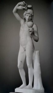 Торвальдсен. Ганимед, наполняющий чашу.1819-1821 (по модели 1816). Государственный Эрмитаж