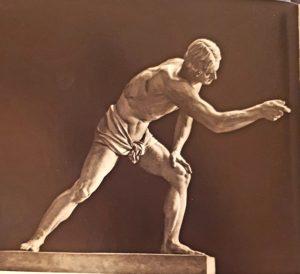 А.В.Логановский. Парень, играющий в свайку. 1836. Гипс. Русский музей. Петербург