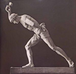Н.С.Пименов. Парень, играющий в бабки.1836. Гипс. Русский музей. Петербург