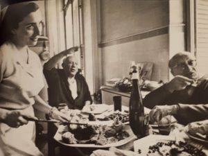 Фото. Пикассо с Жаклин