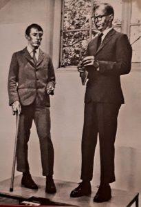 Жильбер и Георг. Поющая скульптура. 1970. Концептуальное искусство