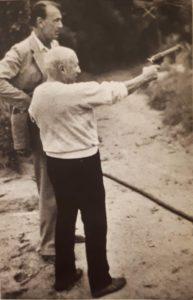 Пикассо с пистолетами и визитерами
