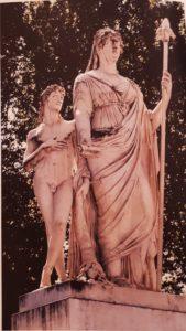Бартолини. Памятник Марии Луизе Бурбонской. Центральная площадь Лукки, по иронии судьбы, носящей имя Наполеона