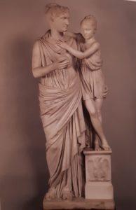 Бартолини. Элиза Бачокки с дочерью. Мрамор. 1813