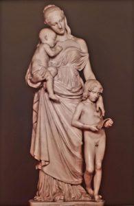 Бартолини. Милосердие воспитующее. 1817-1835. Мрамор. Галерея Палатина в Палаццо Питти. Флоренция
