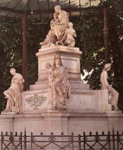 Бартолини. Памятник Николаю Никитичу Демидову. Мрамор. Флоренция. Лунгарно Серристори