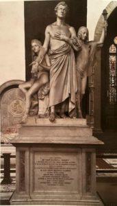 Бартолини. Монумент Леону Батиста Альберти (ученый, гуманист и писатель). 1831-1851. Мрамор. Собор Санта-Кроче