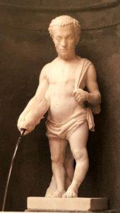 Валерио Чиоли. Nano Barbino (Карлик Барбино). Белый мрамор. 1561-1564. Сады Боболи. Флоренция. Придворный карлик Барбино запечатлен в виде рыбака с сетью, а из рыбины течет вода. Эта скульптура – фонтанчик