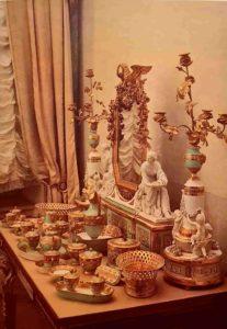 Туалетный прибор 180-1801. Скульптура по модели Ж.-Д.Рашетта. Бисквит. Павловск. Большой дворец