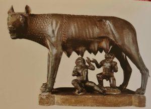 Капитолийская волчица, кормящая Ромула и Рема. 5 век до н.э. Бронза. Высота. 75 см. Музеи Капитолия. Рим. Этрусское искусство (еще до полноценных римлян)