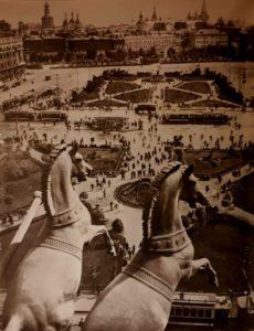 Лошади Клодта на Большом театре. Москва. Фото 1932 г.