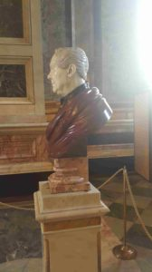 Антон Егорович Фолетти (ученик И.П.Витали). Бюст Огюста Монферрана. 1840-1850. Разноцветные мраморы. Находится в Исаакиевском соборе