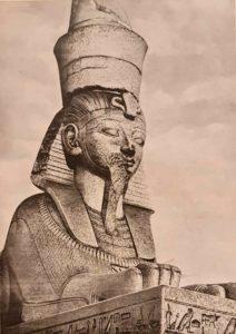 Египетский сфинкс на пристани перед Академией художеств. Пристань создана в 1832-1834 по проекту К.А.Тона
