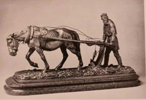 Константин Александрович Клодт (внук П.К.Клодта). Л.Н.Толстой на пашне. 1889. Бронза