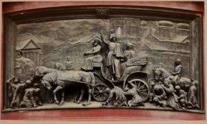 Н.А.Рамазанов. Николай I на Сенной площади в Санкт-Петербурге во время холеры 1831 года. Бронза. 1859. Рельеф на постаменте памятника Николаю I