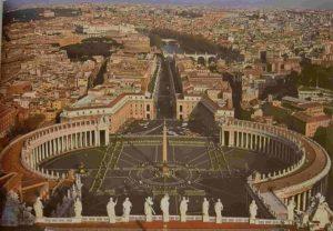 Собор Св. Петра и площадь с «людишками-муравьишками». Рим